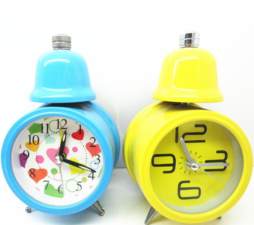 Old-fashion-meta-wind-up-single-bell--alarm-clock